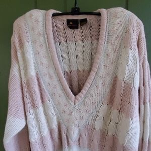 Liz Claiborne Vneck sweater